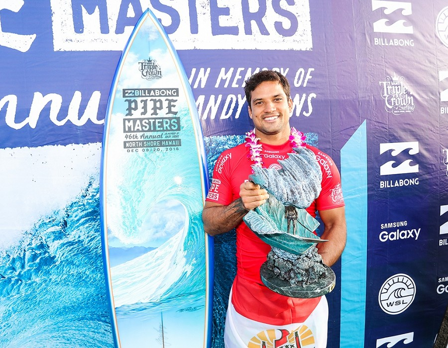 Billabong Pipe Master Champion Michel Bourez.   © WSL / Cestari
