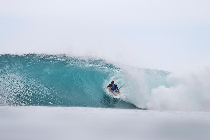 Upsets and High Drama for Rounds 2 and 3 of Billabong Pipe Masters