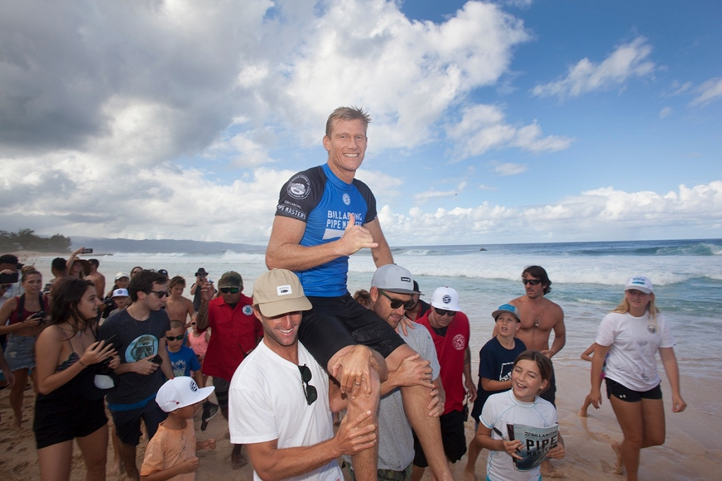 Bede Durbidge retires at Pipeline.   © WSL / Sherman