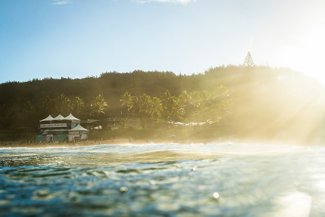 Billabong Pipe Masters contest site.   © WSL / Poullenot