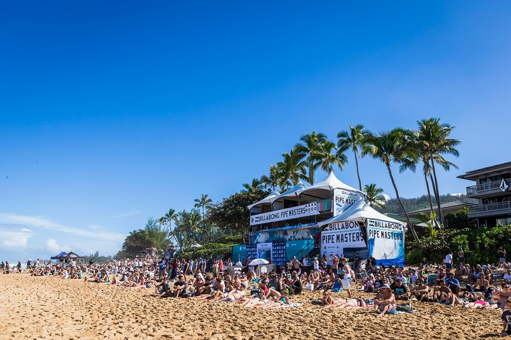 2017 Billabong Pipe Masters.   © WSL / Poullenot