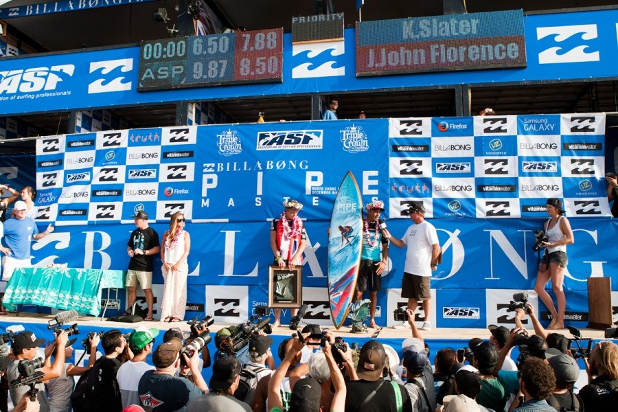 The scoreboard reflects how the final went down between John John Florence (HAW) & Kelly Slater (USA).   © ASP / Cestari