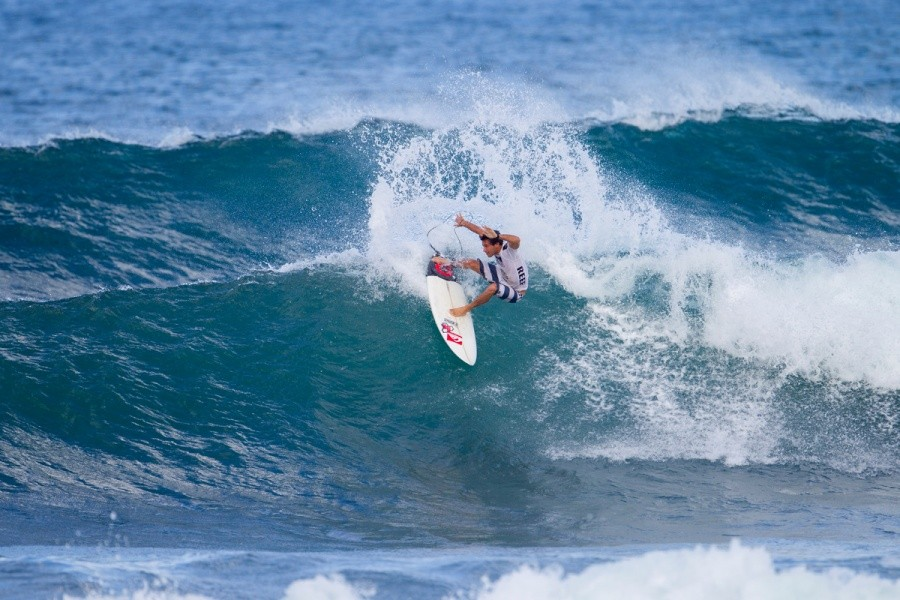 Jeremy Flores advanced into the Final of the Reef Hawaiian Pro.   © ASP / Kirstin