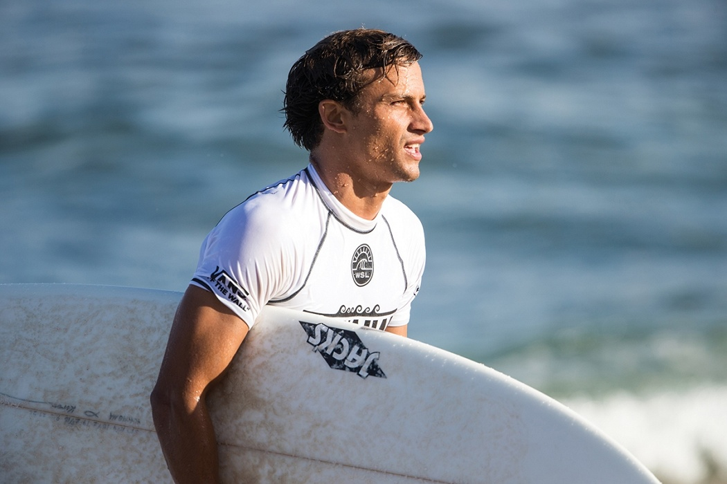 Kiron Jabour of Hawaii advances by placing second in heat 3 of round two.   © WSL / Heff