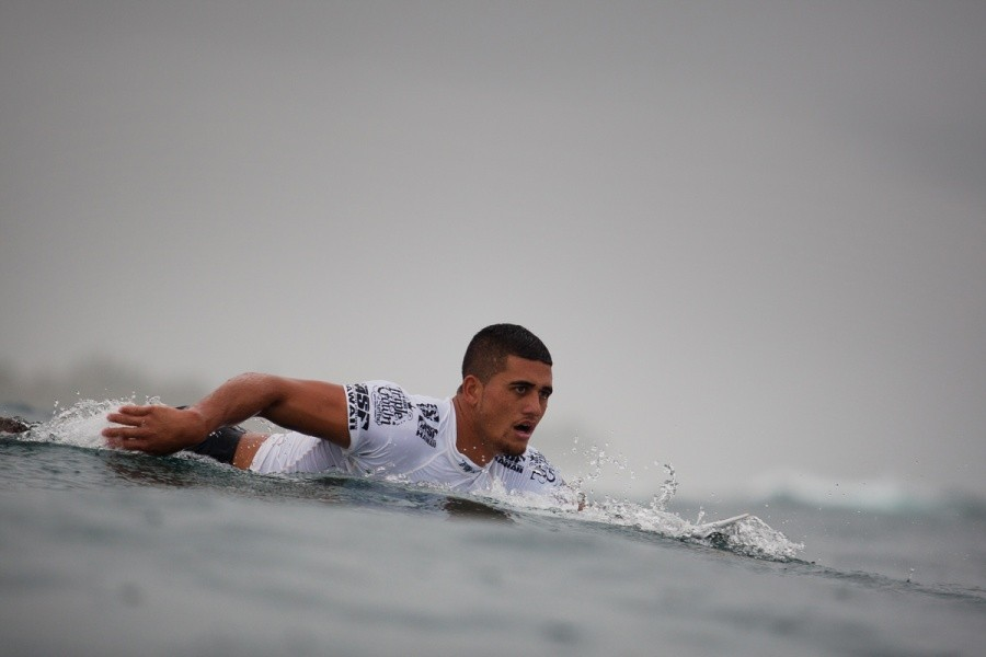 Ezekiel Lau (HAW) always returned to the lineup with determination and one goal in mind, to win the VANS World Cup of Surfing.   © ASP / Cestari