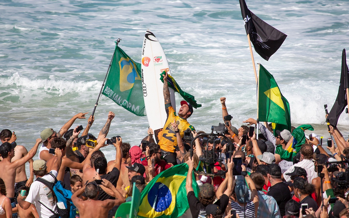Brazil Takes the Day (And Year) - Medina Wins World Title and Billabong Pipe Masters