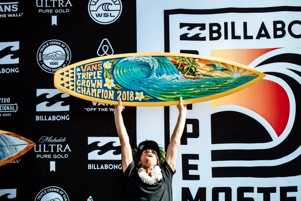 2018 Vans Triple Crown of Surfing Champion Jesse Mendes.   © WSL / Sloane