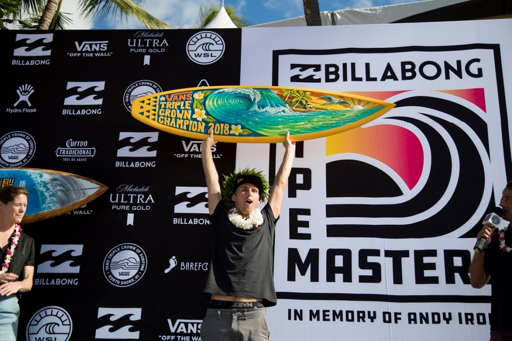 2018 Vans Triple Crown of Surfing Champion Jesse Mendes.   © WSL / Heff