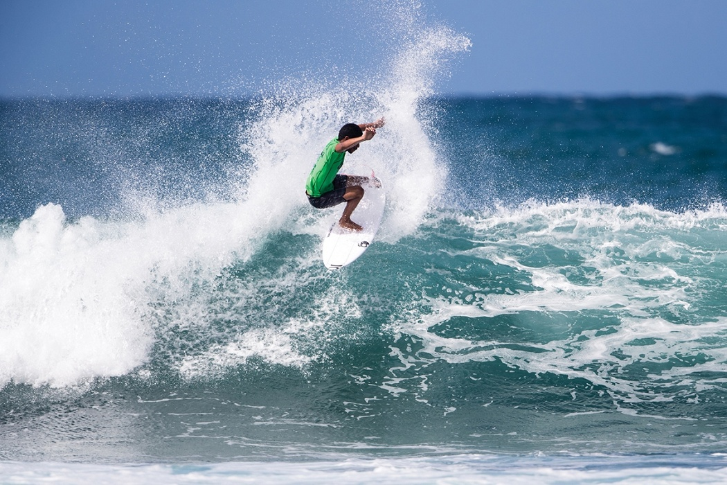Shayden Pacarro of Hawaii places fourth and is eliminated in heat 12 of round three today.   © WSL / Heff