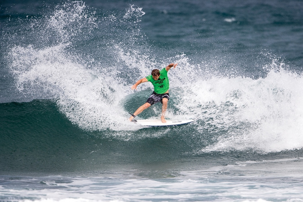 Dusty Payne of Hawaii advances to round three by placing second in heat 6 round two.   © WSL / Heff