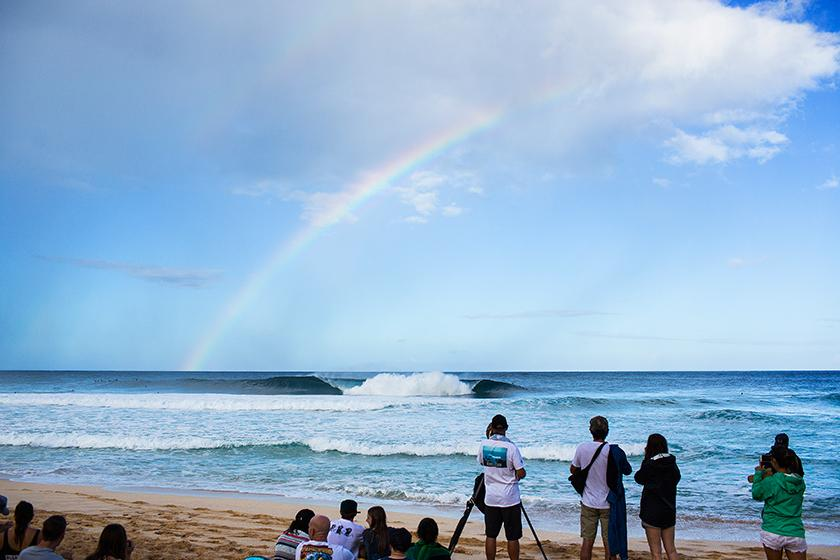 Lay Day Called for Billabong Pipe Masters