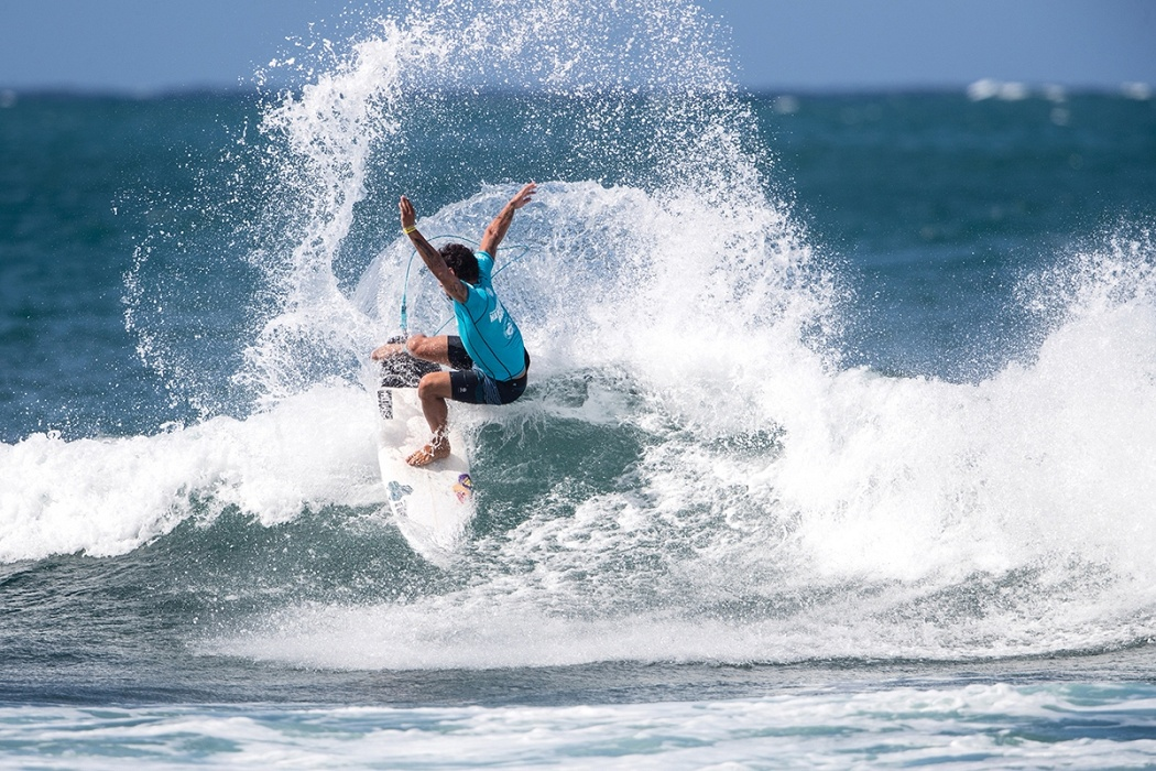 Vasco Ribeiro of Portugal advances to round three by placing second in heat 12 of round two.   © WSL / Heff