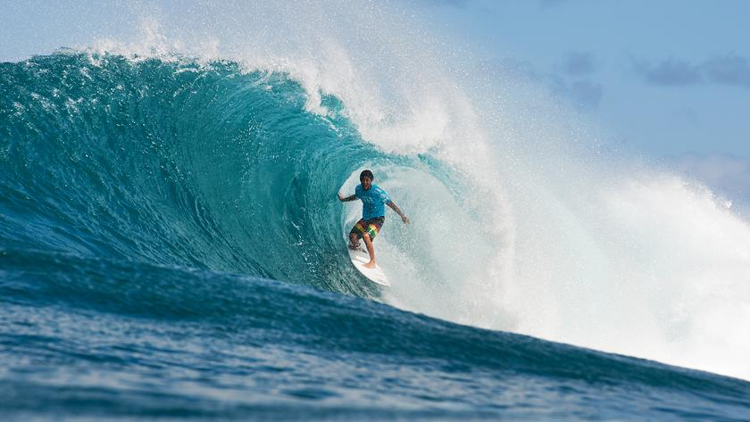 Youngsters Rule the Waves on Opening Day at Vans World Cup of Surfing