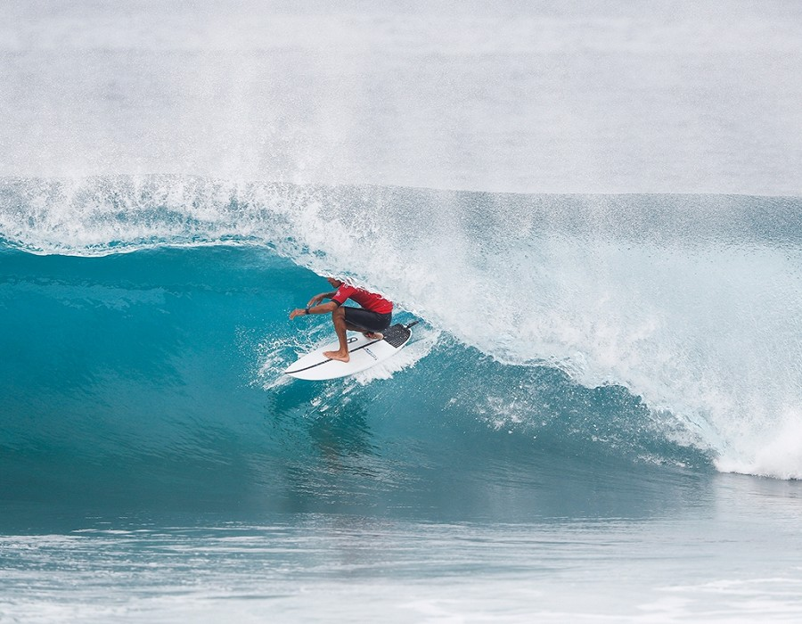 Kelly Slater during the Semifinals.   © WSL / Poullenot