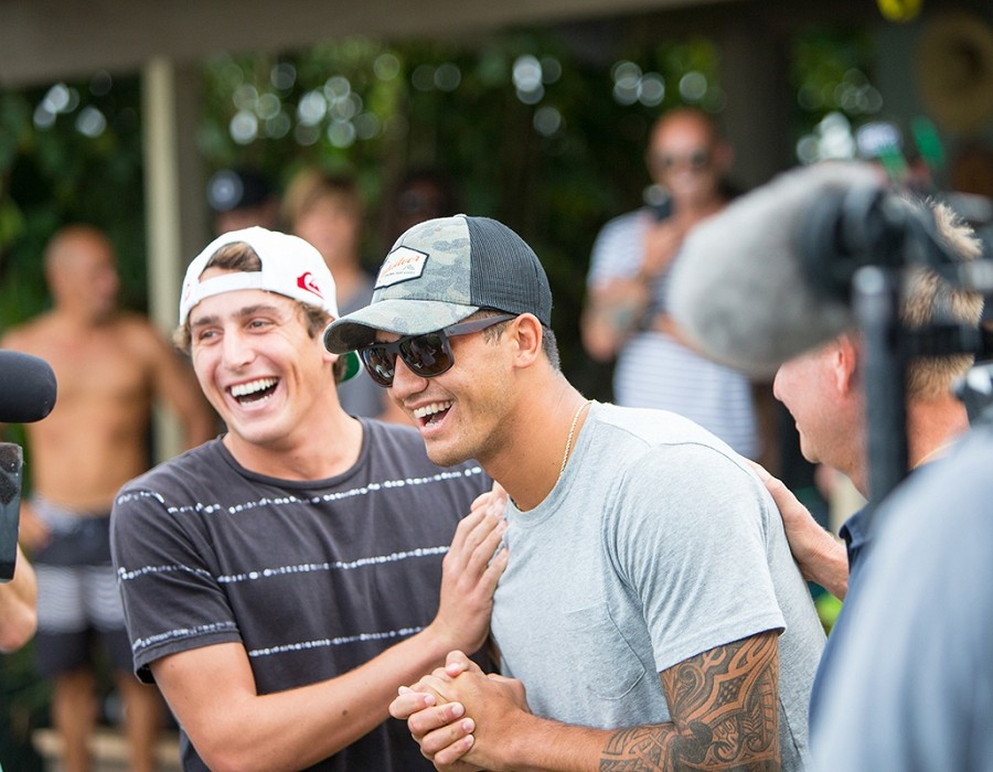 Leonardo Fioravanti and Ezekiel Lau celebrate Zeke's CT qualification.    © WSL / Heff